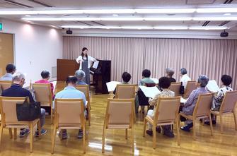 ヴィンテージ・ヴィラ横須賀、歌の発表会に向けた合唱練習を行いましたの画像