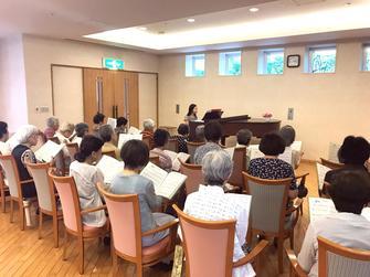 ヴィンテージ・ヴィラ相模原、歌の発表会に向けた合唱練習を行いましたの画像