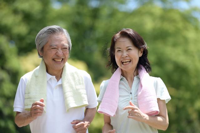 elderlycouple-jogging.png