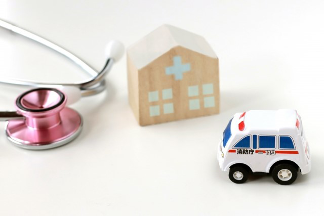 ambulance-stethoscope-hospital.png
