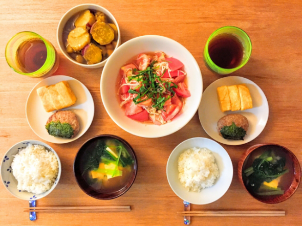 japanese-food-table.png
