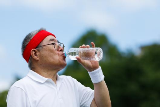man-senior-water.png