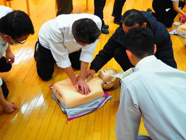 ヴィンテージ・ヴィラ相模原、スタッフ向け普通救命講習を実施しましたの画像