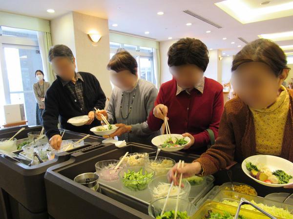 ヴィンテージ・ヴィラ相模原、「二宮町産 有機野菜」サラダバイキングを実施しましたの画像