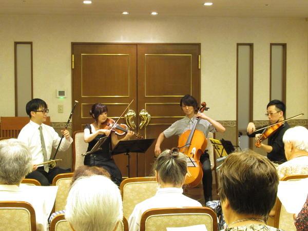 ヴィンテージ・ヴィラ向ヶ丘遊園 サマーコンサートを開催しましたの画像