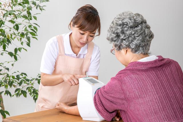 高齢者の低血圧で注意することは?原因や種類、予防策を知ろうの画像