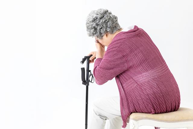 高齢者のめまいは何が原因?治療や予防の方法をご紹介!の画像