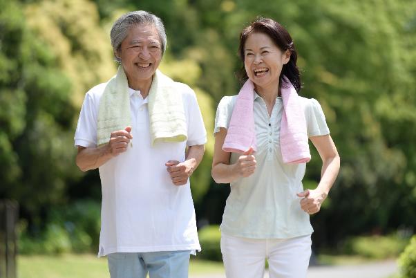 高齢者がジョギングをする際の注意点は?ランニングとの違いや走り方も解説の画像