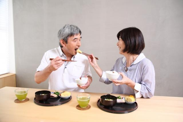 meal-care-old-couple.jpg